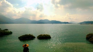 ... finding yourself at the quieter end of Sun Moon Lake.